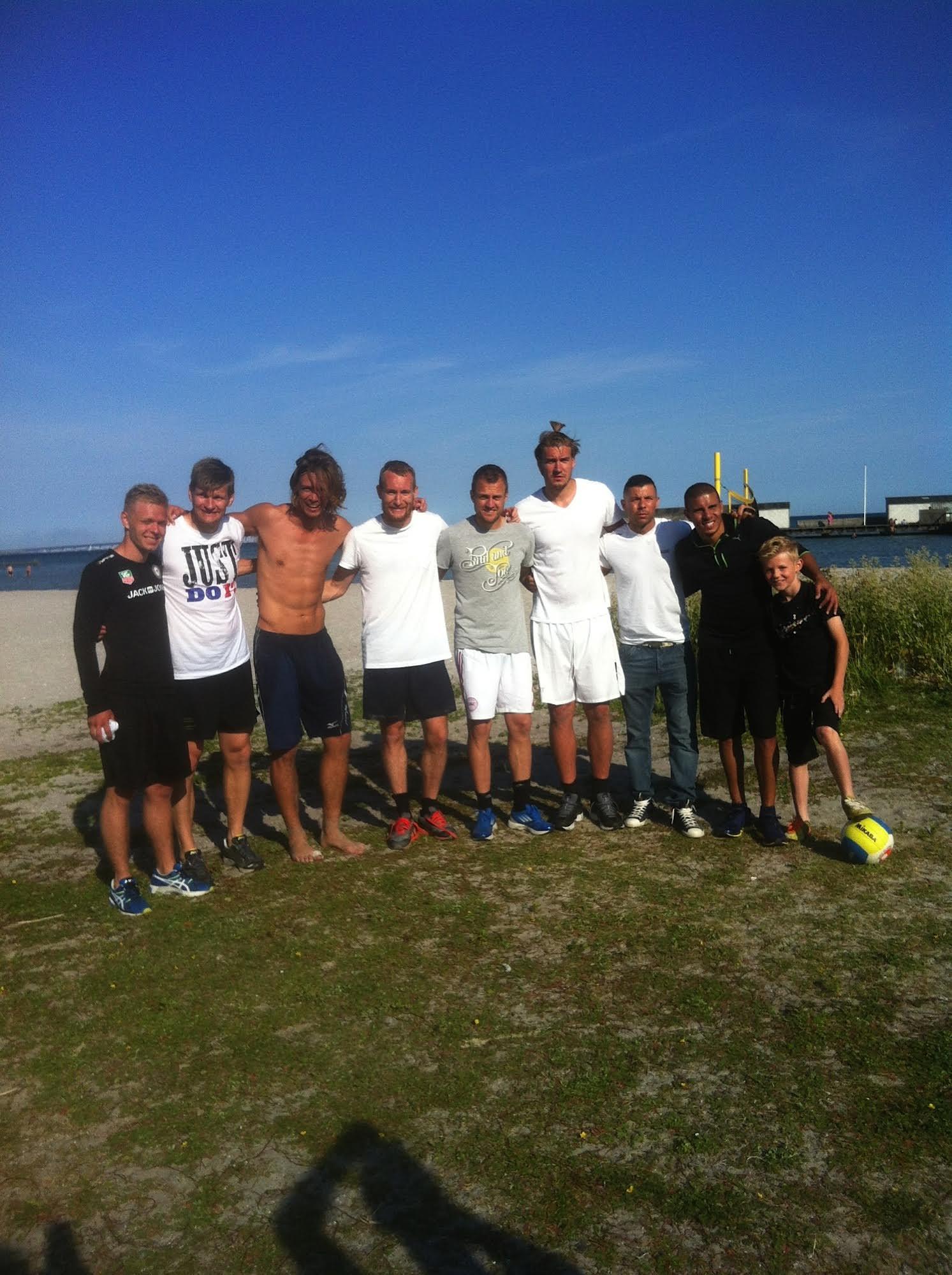 Thomas og en masse sportsfolk, som jeg ikke aner hvem er. SÅ meget ved jeg nemlig om sport ;-)