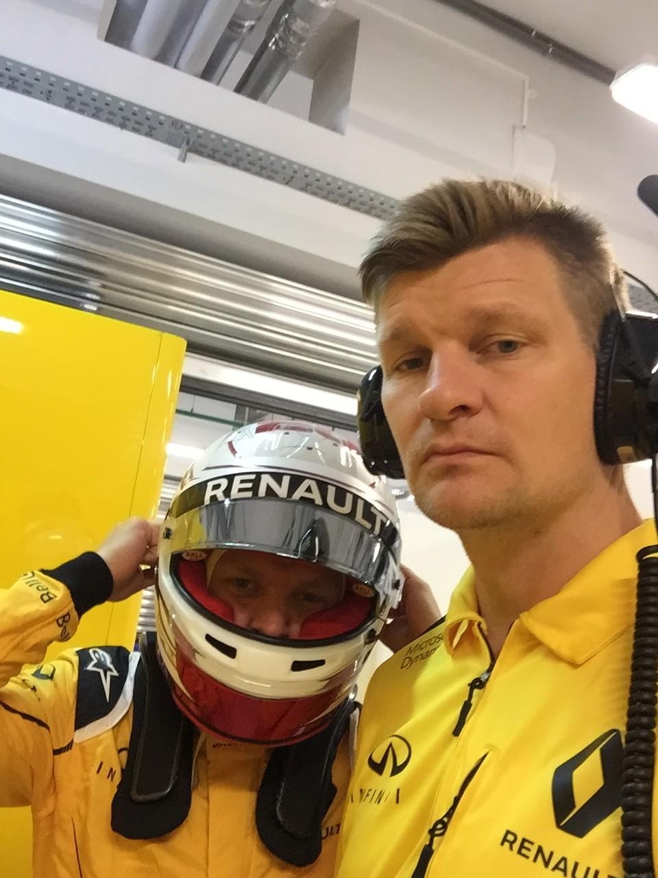 Thomas og Kevin til Formel1 i Rusland i fredags.